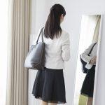 営業 女性 ワンピース コーディネート
