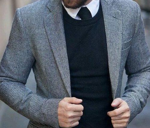 営業マンがスーツの中にセーターを着たらマナー違反?おすすめコーディネート例も紹介